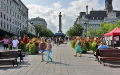 montreal-place-jacques-cartier-summer