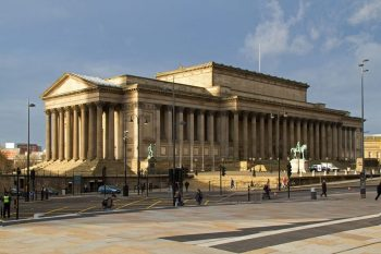 Visitar-Liverpool-St-George-Hall-Tony-Hisgett-CC-BY-2.0-900x600